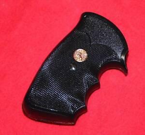 Colt-Python-Factory-Grips-I-frame-pair-Mint