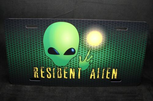 RESIDENT ALIEN METAL LICENSE PLATE FOR CARS  UFO