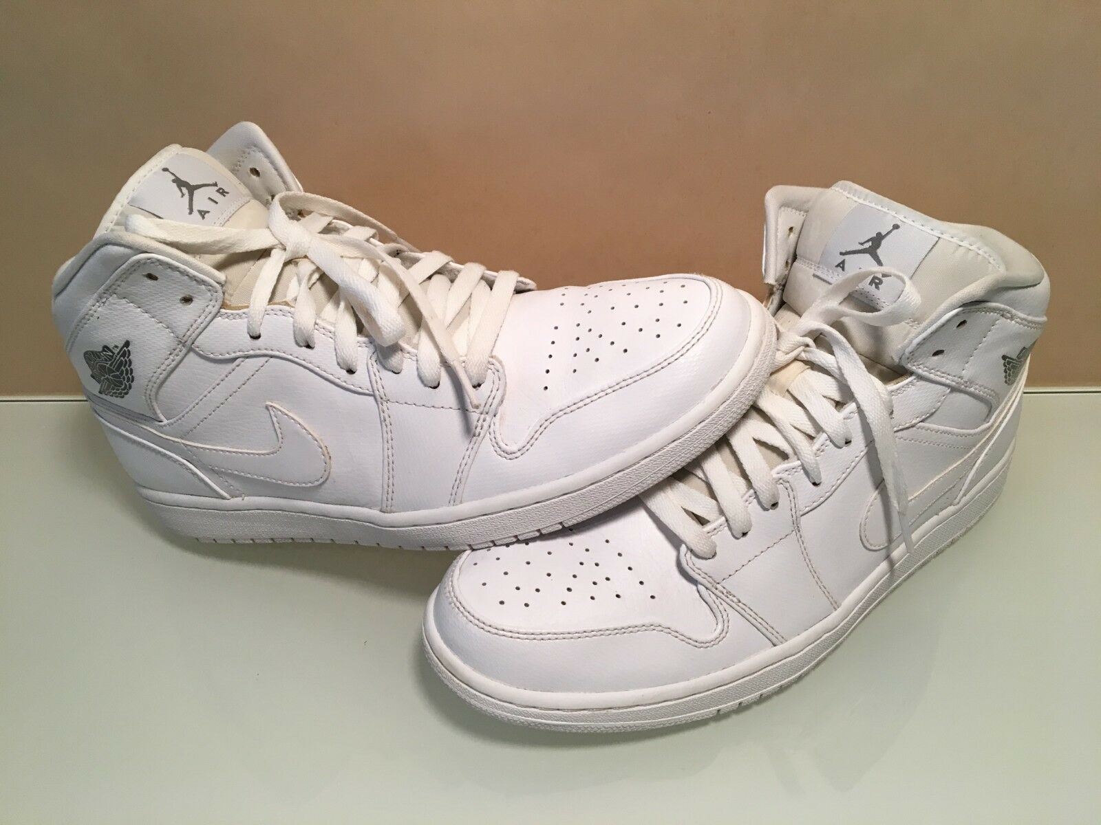 MENS NIKE AIR JORDAN 1 RETRO SHOES,YEAR 2014,AUTHENTIC,SLIGHTLY USED,SIZE 12 U.S