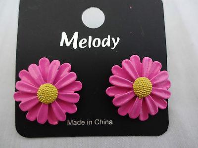Daisy earrings hot pink yellow center pierced ears plastic back & flower garden