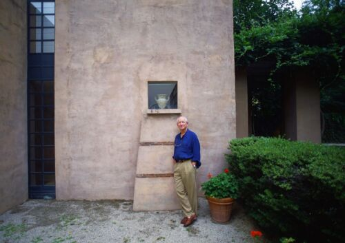 Art print POSTER Architect Michael Graves Standing by an Urn