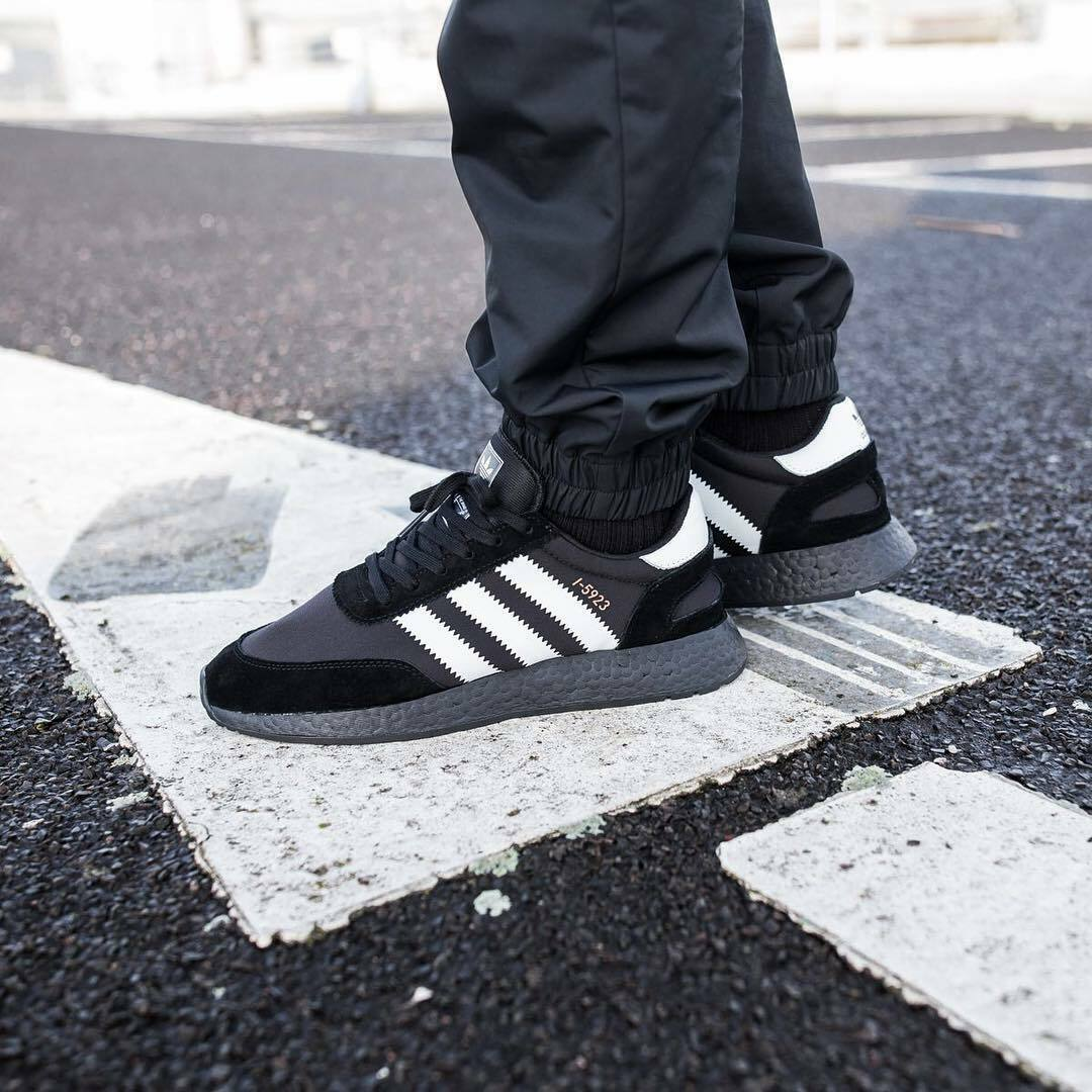 Punto muerto Alarmante campeón  adidas Iniki Runner I-5923 Footwear Core Black White Copper Metallic Cq2490  US 7.5 for sale online | eBay
