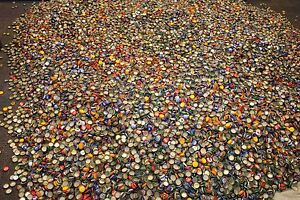200-MIXED-BEER-BOTTLE-CAPS-GREAT-COLORS-NO-DENTS-AWESOME-MIX-CLEAN-NO-GUNK