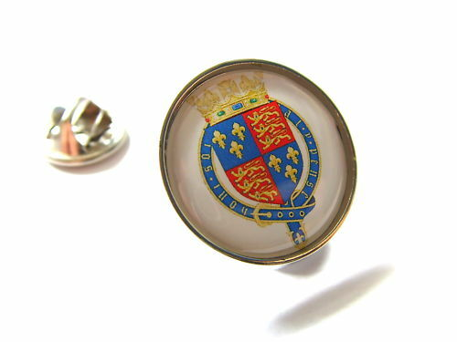 ROYAL COAT OF ARMS ENGLAND CREST LAPEL PIN BADGE GIFT
