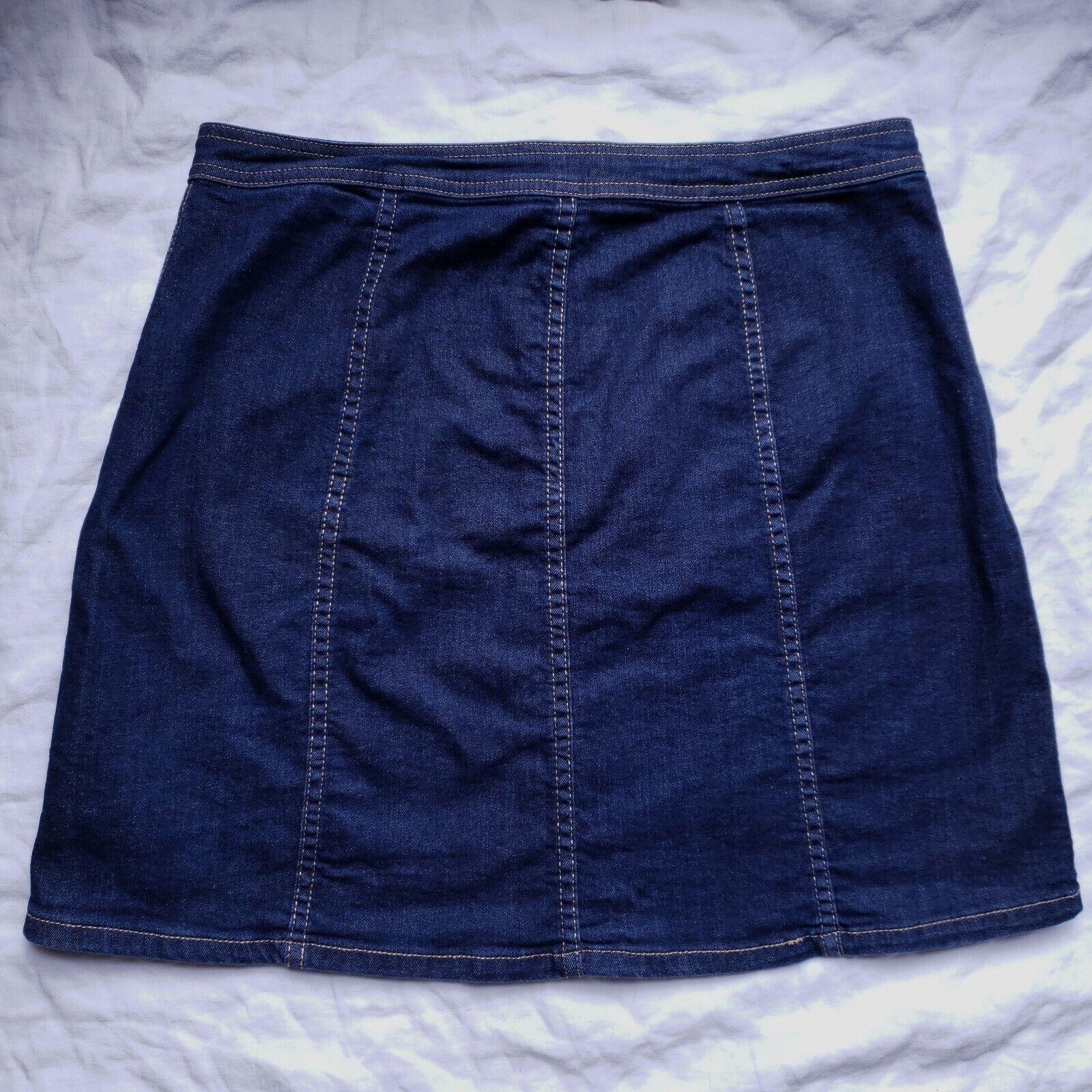 Bass Womens Blue Denim Skirt Size 10 Button Front… - image 4