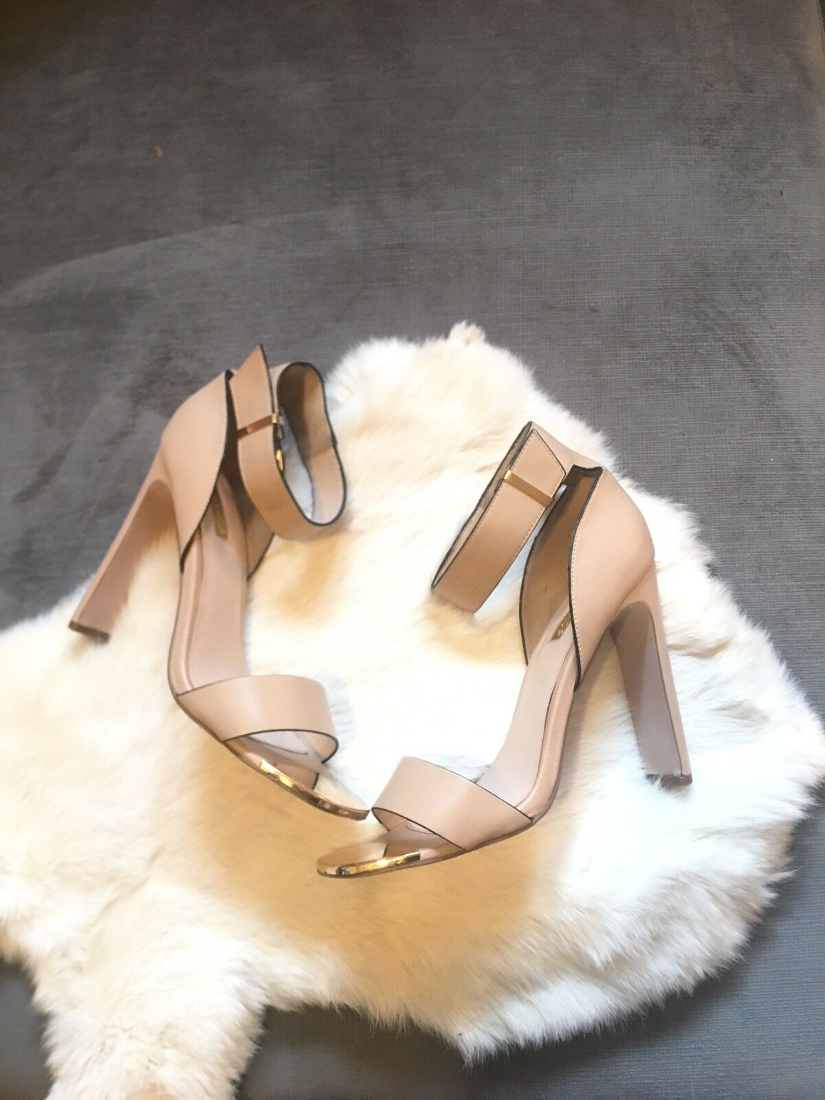 Topshop imported Nude And Gold Sandale/Heels in Nude - Sz. 40 (10 Us)
