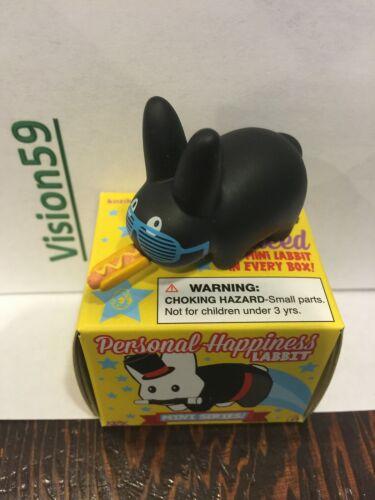 "Kidrobot Personal Happiness 1.5/"" Labbit Mini BLACK w HOT DOG /& GLASSES"