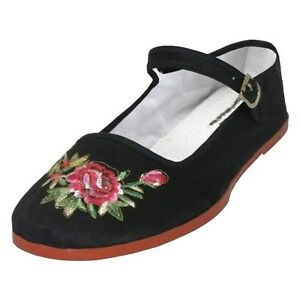 26b2b681baeb Women s Chinese Mary Jane Floral Cotton Shoes Slippers in Black ...