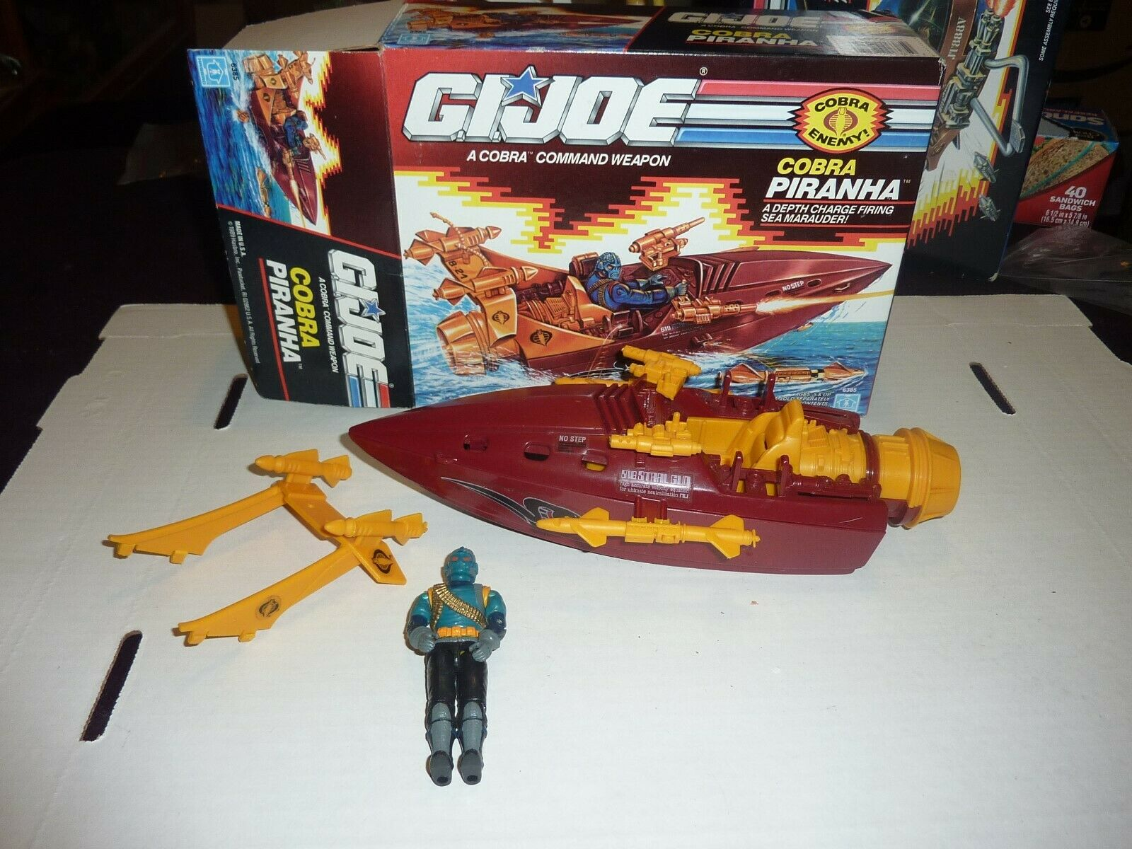 Vintage G.I. Joe Cobra Piranha Sea  Marauder Near Complete w Box 1989 Boat Set  jusqu'à 50% de réduction