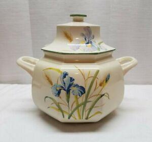 Vintage Mikasa Continental Ivory Blue Iris Porcelain Flower F 4004 Soup Tureen
