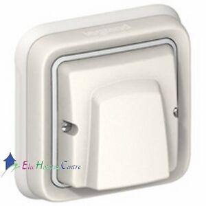 Sortie-de-cable-20A-encastre-plexo-blanc-complet-avec-bornier-Legrand-69889