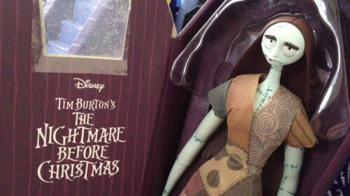 NEW THE NIGHTMARE BEFORE CHRISTMAS LIMITED EDITION LE 5600 SALLY DOLL COFFIN BOX