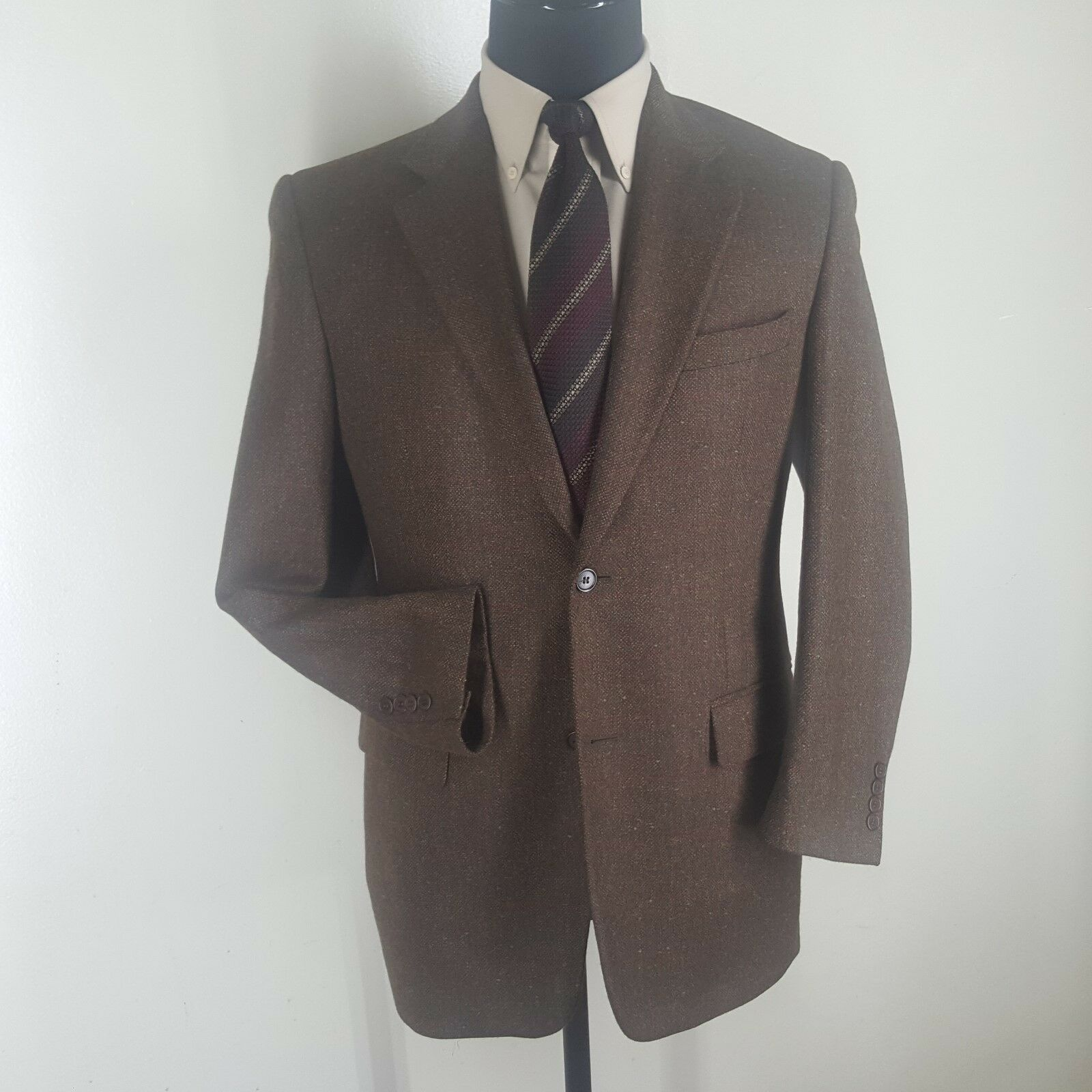 BARNEYS NY Made In  Donegal Sport Coat 2 Btn  No Vents  38R-Fit  40 R