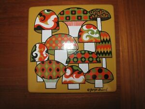 VTG-MCM-GEORGES-BRIARD-ENAMEL-TRIVET-METAL-TILE-GREEN-ORANGE-SIGNED-MUSHROOM-S-c
