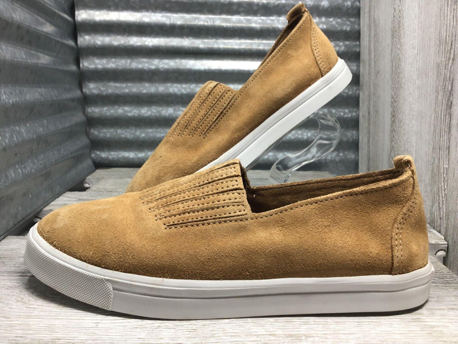 Minnetonka Gabi  Women's Size 8.5 Sneaker Taupe Suade Gored Elastic