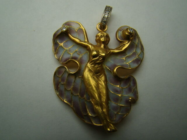 Beautiful 18k gold Art Nouveau style plique a jour pendant with diamonds