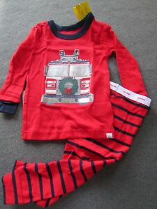 b30e0ba84 NWT BABY GAP Red Holiday Christmas FIRETRUCK 2 piece PAJAMAS PJS SZ ...