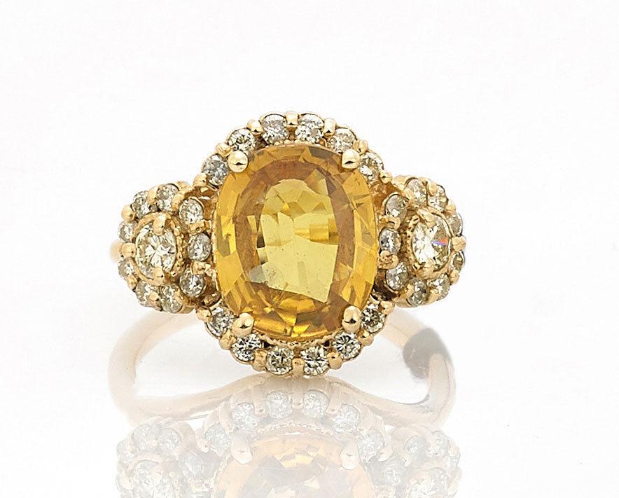 3.65ct Yellow Sapphire Cushion-Cut Diamond 18k Yellow gold Ring W  GIA