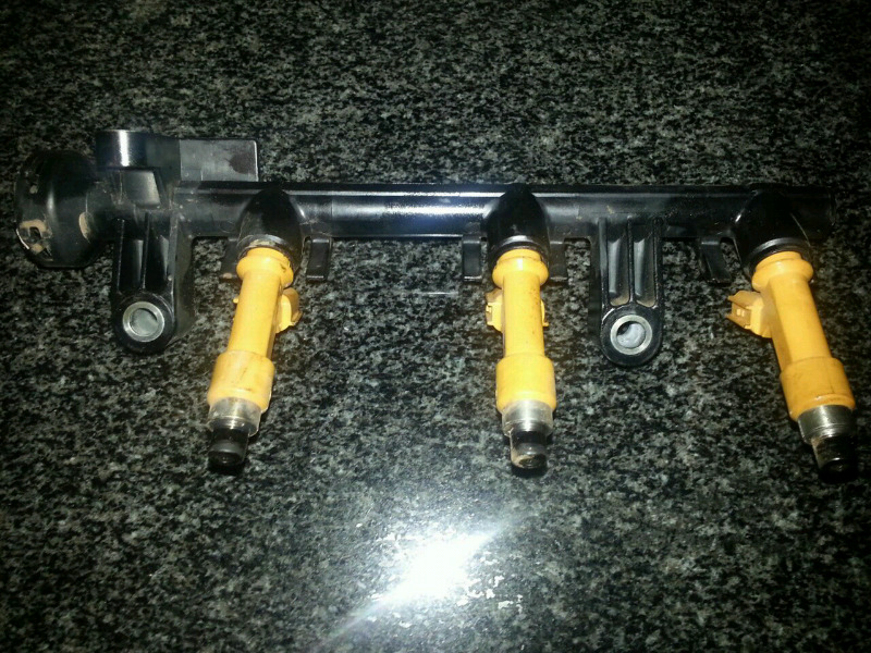 Toyota yaris t1 injectors for sale