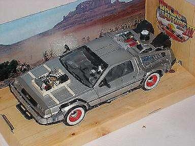 DeLorean DMC Zurück in die Zukunft Teil 3 1//24 Welly Modell Auto mit oder ohne..