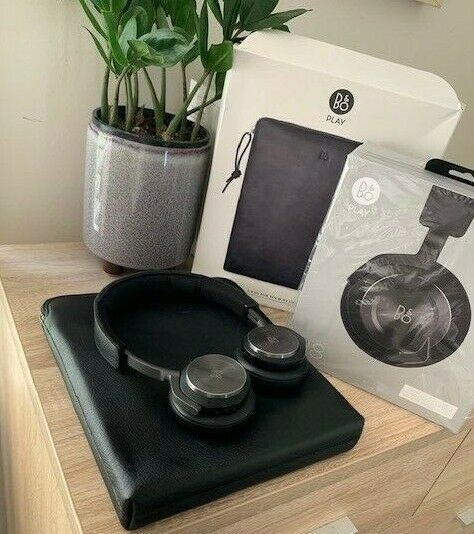 B&O H8 Headphones with B&O Leather Case