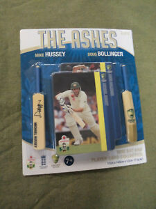 D345-THE-ASHES-2011-CARDS-amp-MINIBATS-6-of-6-MIKE-HUSSEY-amp-DOUG-BOLLINGER