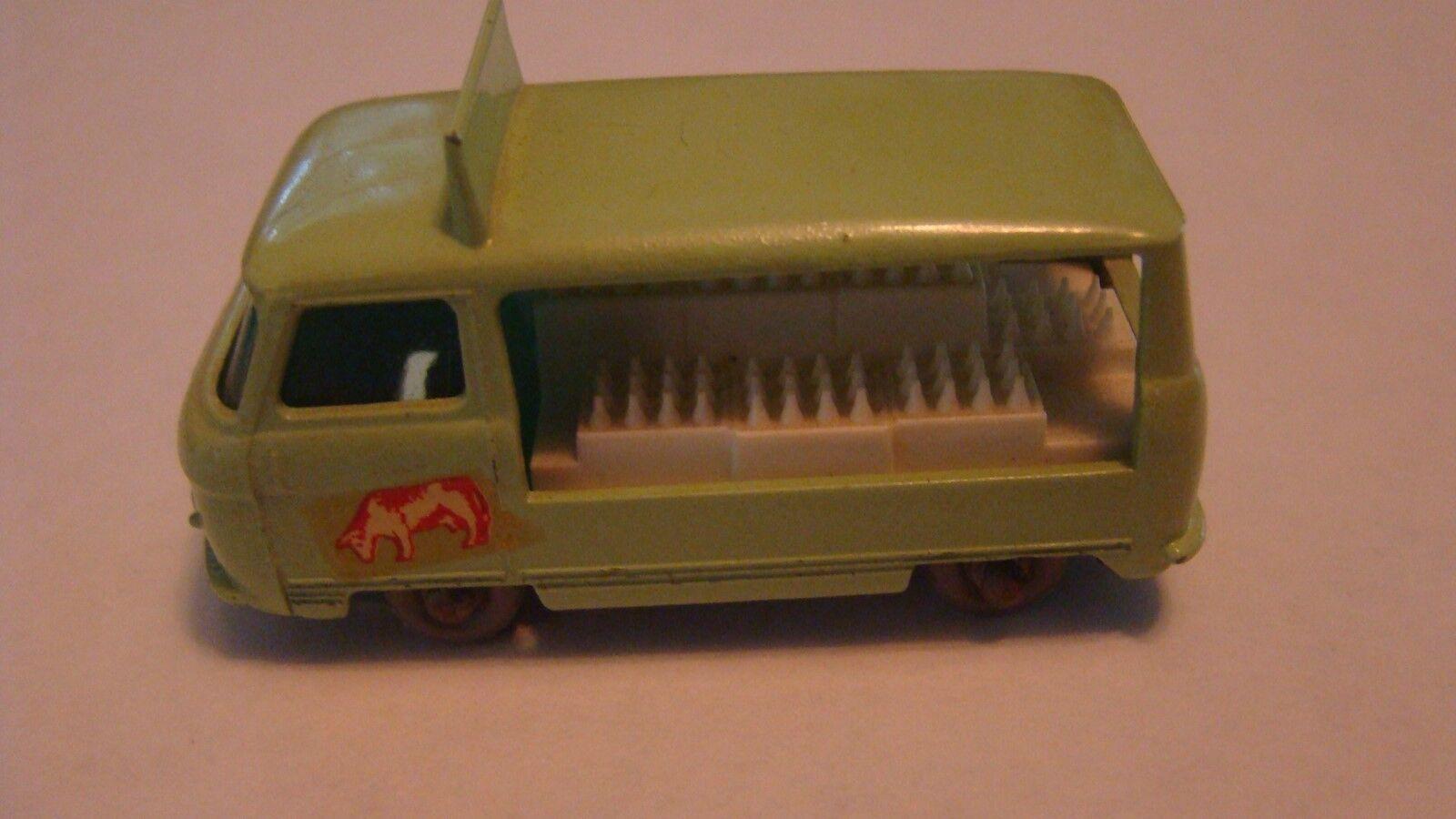 Matchbox Regular Wheel 21 Commer GPW 1961