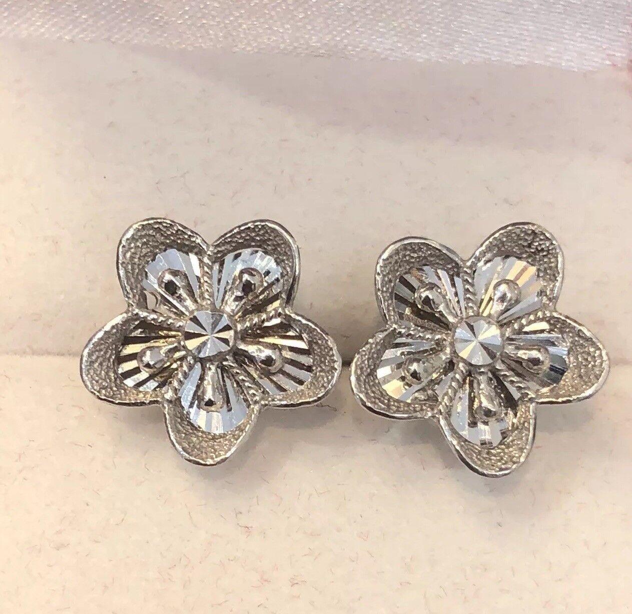 37ff20677 18K Solid White gold Flower Diamond Cut Earrings 3.3 Women Grams ...