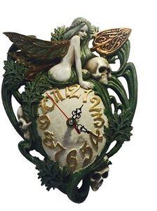 Alchemy-Skull-Wanduhr-26-x20-cm-GOTHIC