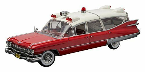 Cadillac Ambulance Red   White 1 18 Model 18001 GREEN LIGHT