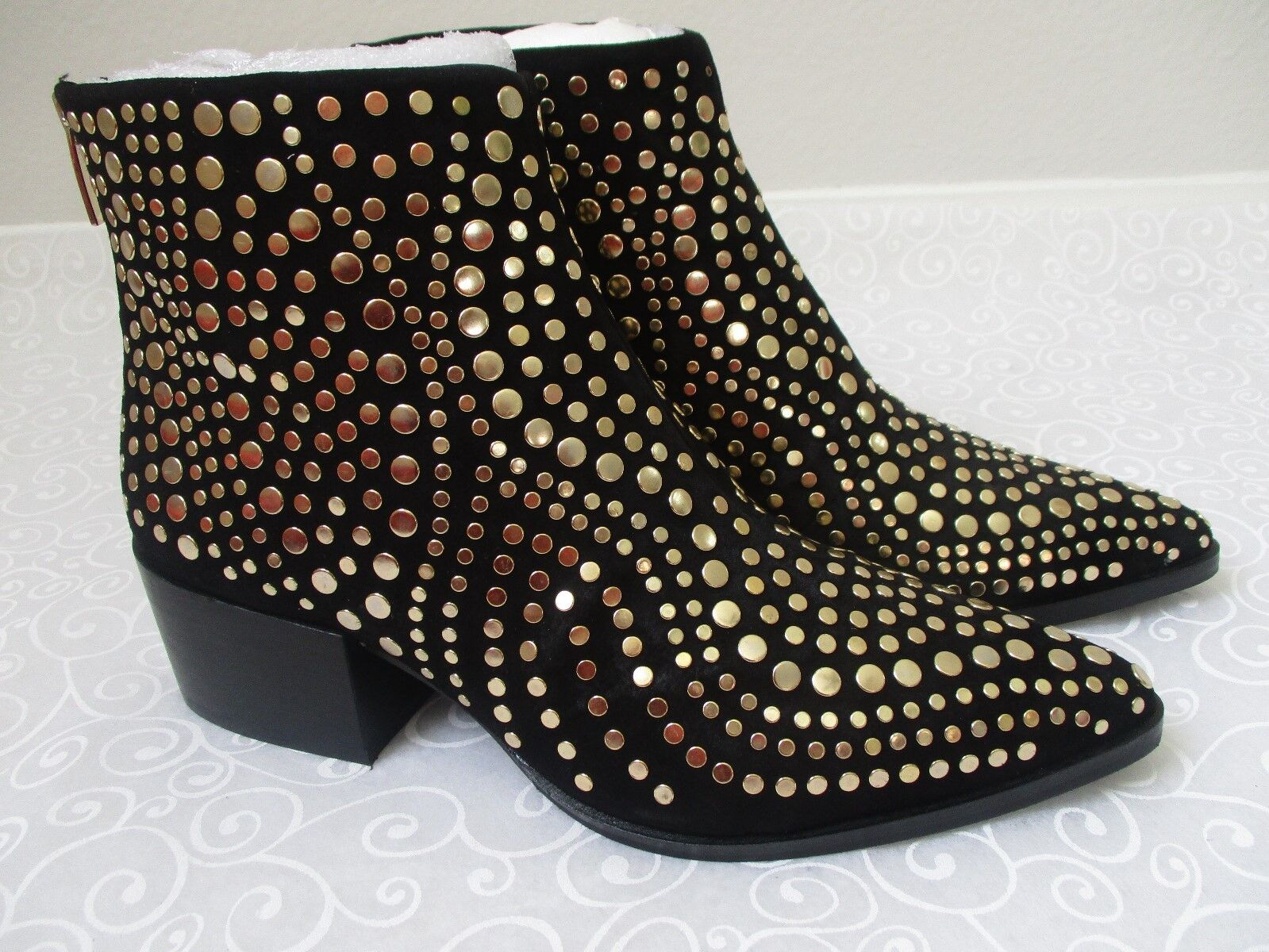 VINCE CAMUTO EDDENY BLACK LEATHER STUDDED ANKLE BOOTS SIZE 7 1 2 M - NEW