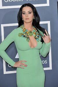 Katy-Perry-Busen-Foto-Top-Qualitaet-unsigniert-20x30-17