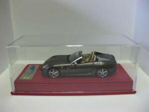 Ferrari-SA-Aperta-matgrijs-1-43-BBR-DMC-new-BBRC49SG