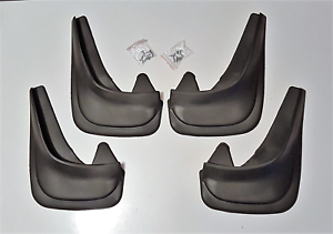 Calidad Superior Universal Chrysler Voyager coche de goma moldeada mudflaps Set Completo