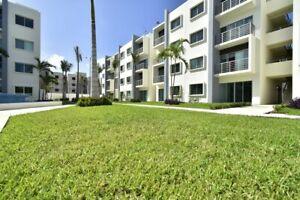 Departamentos en Preventa en Madison por Av Huayacan en Cancun