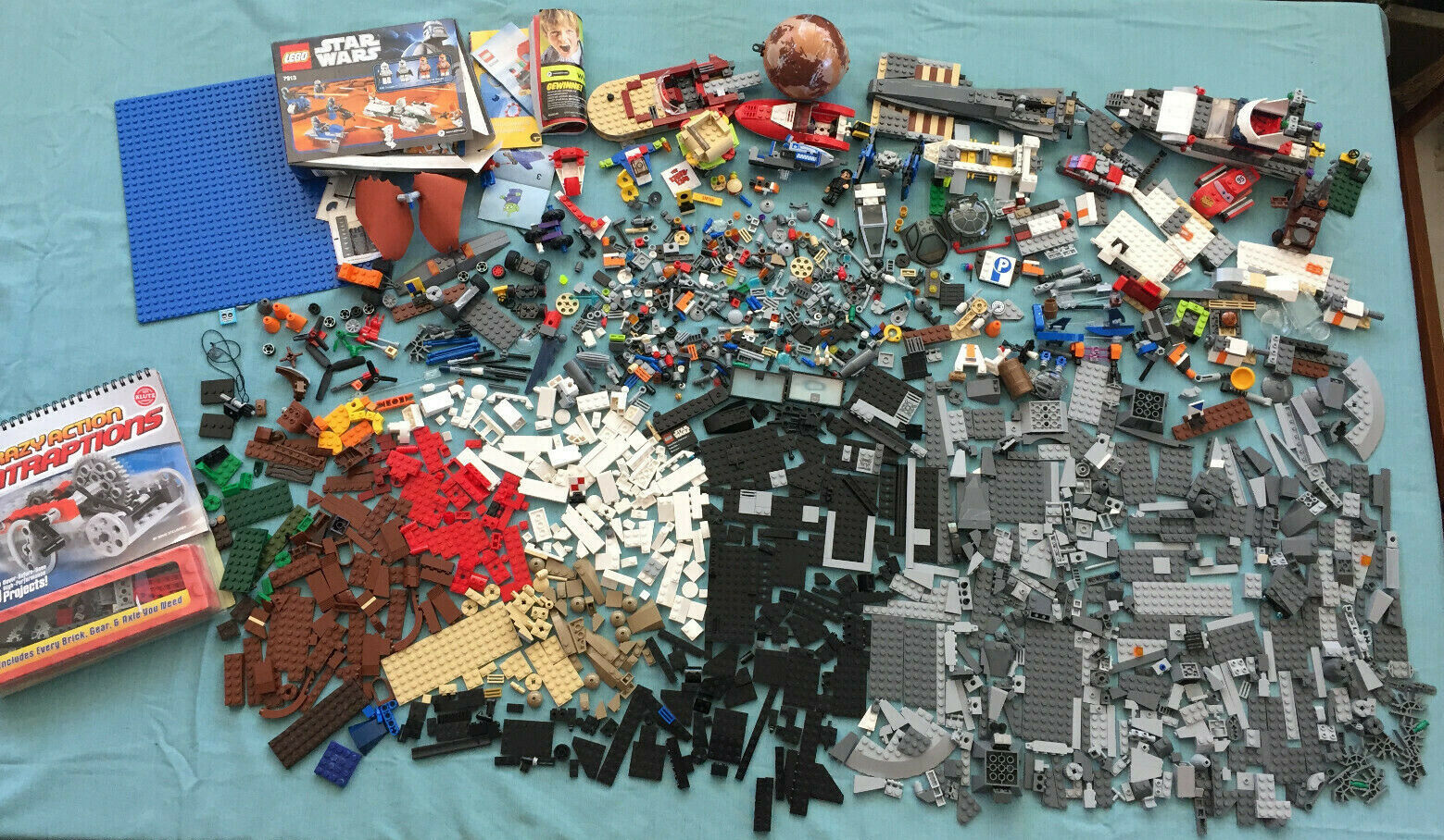 10+ Pounds of Legos Assorted Pieces Star Wars Spongebob City...10 LB