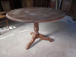 Dettagli su Tavolo tondo fisso in noce con gamba centrale - epoca metà \'800  - tavolino