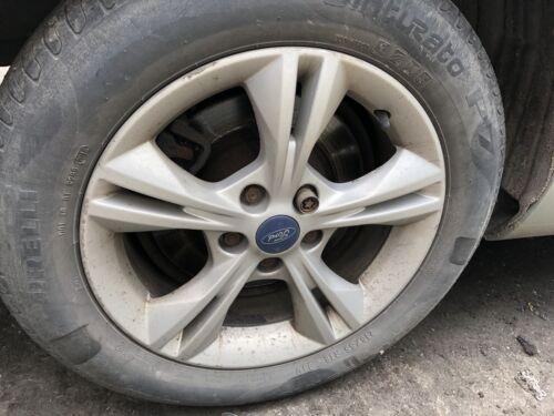 Ford Focus Zetec MK-3 Split 5 habló aleación rueda usada y libre neumático