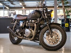 Triumph-Thruxton-900-Cafe-Racer-Custom-build