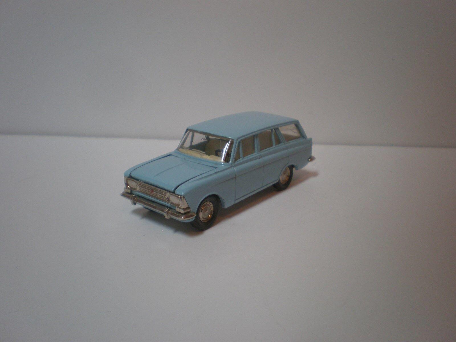 1 43 1960 s modelll Moskvitj-426 stationwagen A3 USSR  CCCP tärningskast
