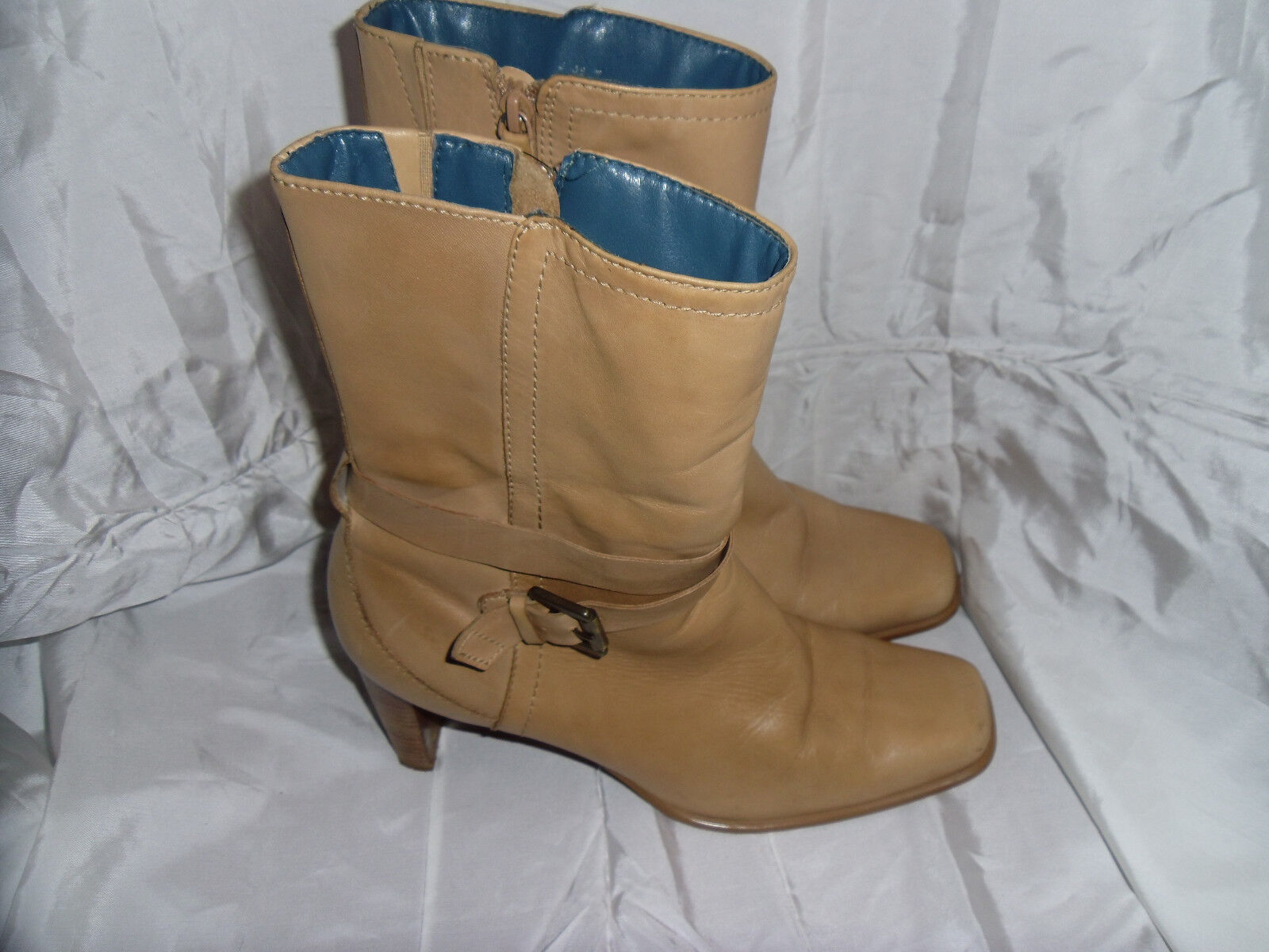 CLARKS WOMEN'S BEIGE LEATHER ZIP UP ANKLE BOOT SIZE VGC