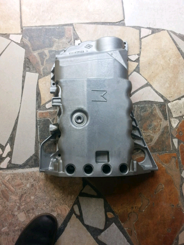 Renault Megane 111 turbo 2.0 16V sump for sale in Pretoria West