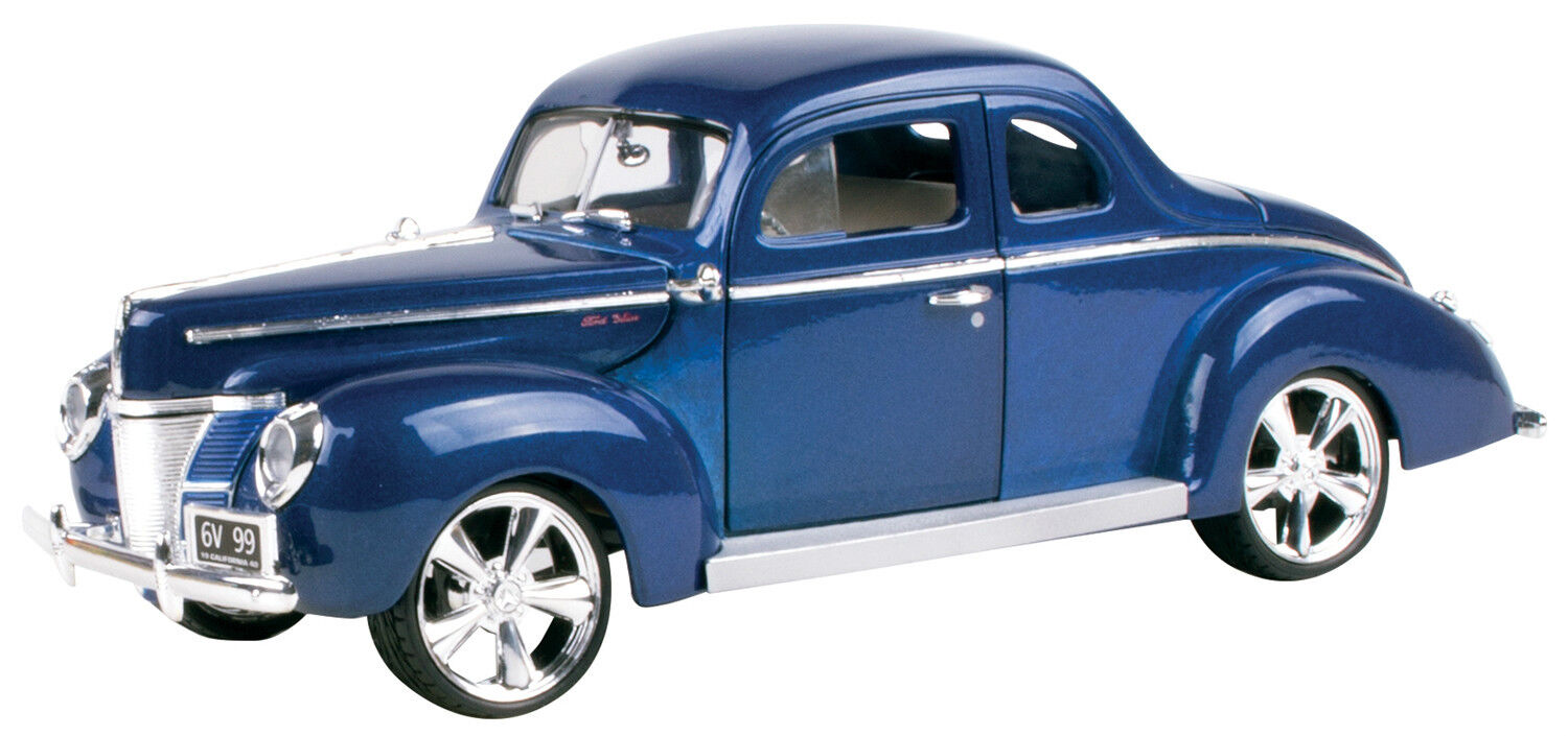 New Motormax 1940 Ford Deluxe 1 18 -79003