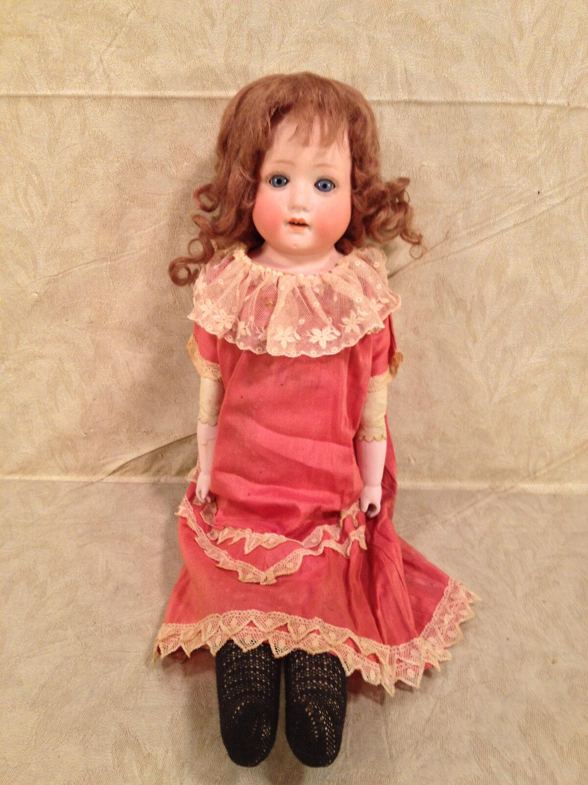 Antiguo alemán de pelo morena Cuerpo Bebé Muñeca de cuero rosadodo vestido con bisagras de las articulaciones