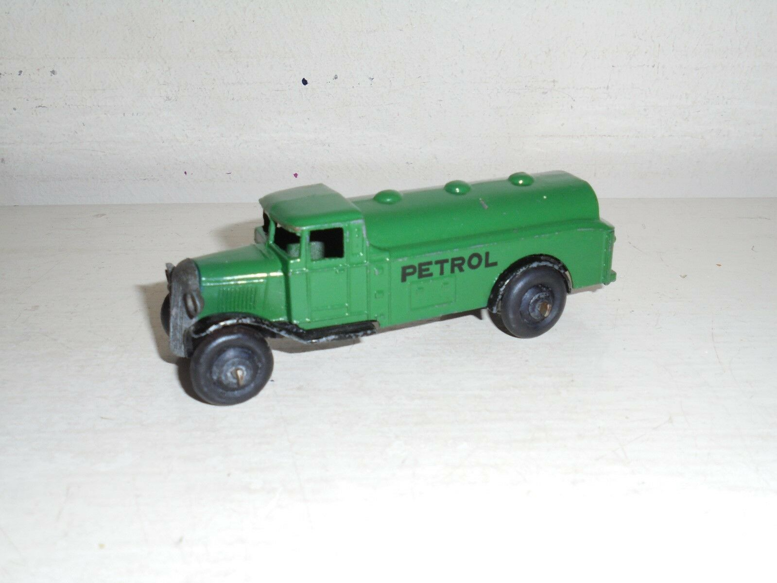 Meccano  Dinky Toys- 25d Petrol Tanker Green  Petrol -type 4 chassis-good c1948