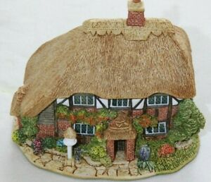 Lilliput-Lane-Honeysuckle-Cottage-III-L2096-complete-with-Deeds
