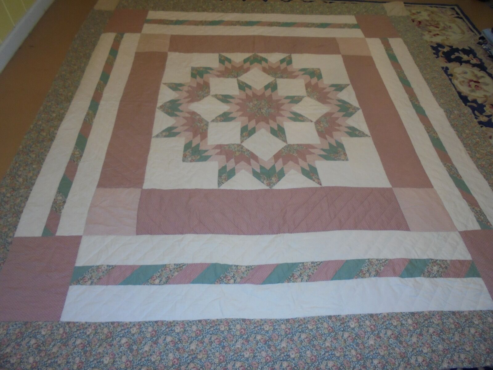 Nice Green & pink Exploding Star in a Frame Quilt