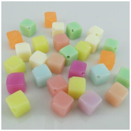 Nouveau dans 50pcs x 10 mm Multicolore Perles Cube Acrylique-taille de trou 1,5 mm
