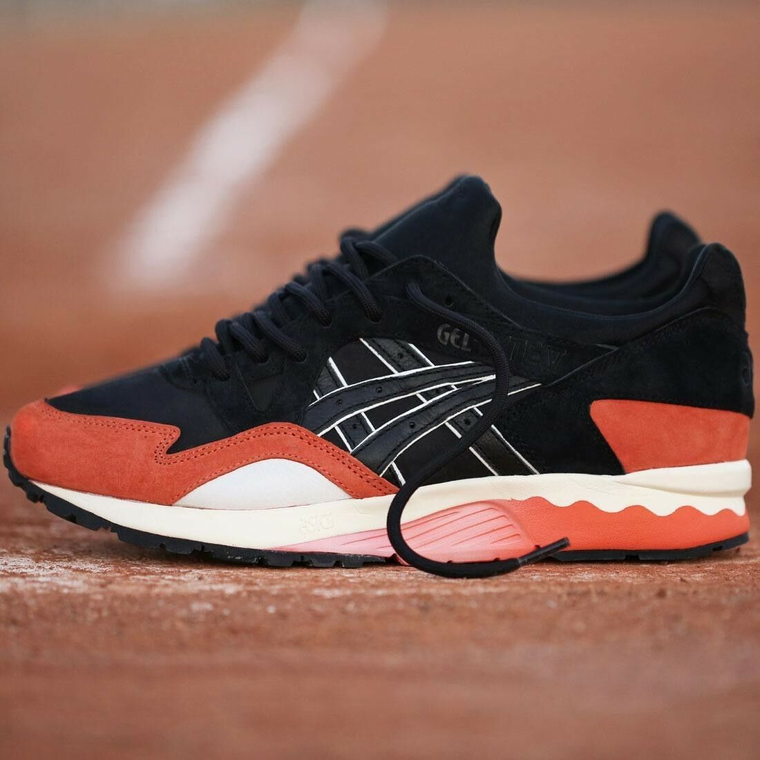 US size 8.5 BAIT x Asics Gel Lyte V Misfits Bay Pack SF Giant Orange