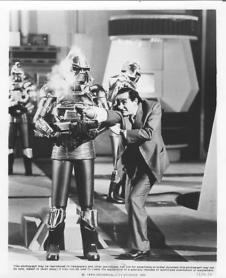 Collectibles The Nude Bomb Photo Vittorio Gassman/cylons Original Publicity B/w Caption Still To Have Both The Quality Of Tenacity And Hardness Black & White
